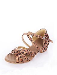 baratos -Mulheres Sapatos de Dança Latina / Dança de Salão Cetim Sandália Salto Baixo Não Personalizável Sapatos de Dança Leopardo / Preto / Azul Real / Crianças / Camurça