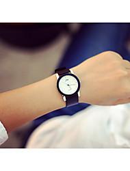 abordables -Couple Montre Habillée Montre Bracelet Quartz Montre Décontractée Adorable Vrai Cuir Bande Analogique Elégant Minimaliste Noir - Blanc Noir