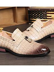 baratos -Homens Sapatos Confortáveis Microfibra Primavera & Outono Oxfords Preto / Bege / Marron