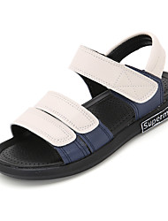 abordables -Chico Zapatos PU Verano Confort Sandalias para Blanco / Negro