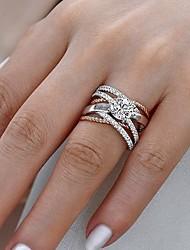 Недорогие -Жен. Белый Цирконий Пасьянс Обручальное кольцо Позолота Роскошь Модные кольца Бижутерия Белый Назначение Свадьба Обручение