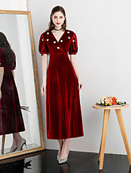 billige -A-linje Y-hals Te-længde Fløjl Kjole med Krystaldetaljering ved TS Couture®