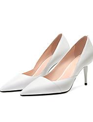 ราคาถูก -สำหรับผู้หญิง แน๊บป้า Leather ฤดูร้อน ไม่เป็นทางการ รองเท้าส้นสูง ส้น Stiletto Pointed Toe ขาว / สีดำ / สีเหลือง