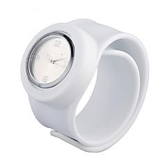billiga Klockor-Dam Tryck-dra Silikon Band Armbandsur