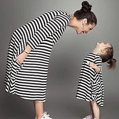 billige Sett med familieklær-Baby Mamma og meg Aktiv / Grunnleggende Daglig / Skole Stripet Trykt mønster 3/4 ermer Lang Midi Polyester Kjole Svart Jenter 120