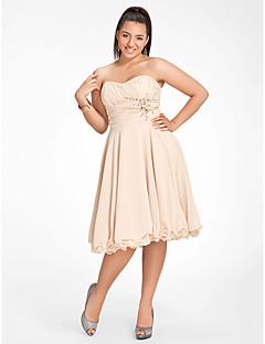 tscouture®によるビーディング付きのaラインのプリンセス・ストラップレス・スウィートハーツ・ニー・レングス・シフォン・ホームカミングドレス