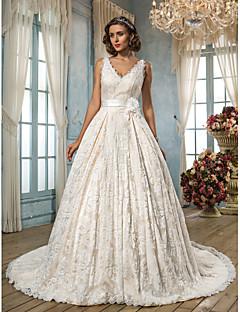 billiga A-linjeformade brudklänningar-A-linje V-hals Kapellsläp Spets Bröllopsklänningar tillverkade med Bälte / band / Blomma av LAN TING BRIDE®