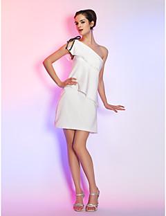 billiga Cocktailklänningar-Åtsmitande Enaxlad Kort / mini Stretchig satäng Cocktailfest Klänning med Rosett(er) Pärldetaljer Krusad av TS Couture®
