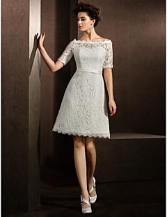 billiga A-linjeformade brudklänningar-A-linje Bateau Neck Knälång Spets Bröllopsklänningar tillverkade med Bälte / band av LAN TING BRIDE®