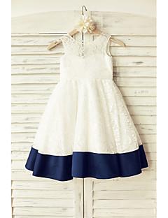 vestido de menina de flor de joelho com uma linha de comprimento - laço com decote sem mangas com arco (s) por thstylee