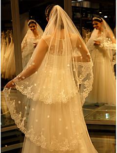 Einschichtig Spitzen-Saum Hochzeitsschleier Kathedralen Schleier Mit Stickerei Spitze Tüll