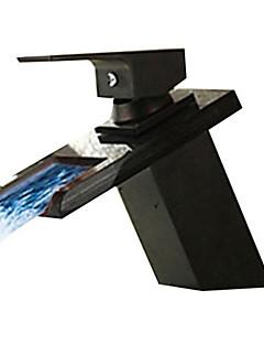 Moderní Baterie na střed Vodopád Keramický ventil S jedním otvorem Single Handle jeden otvor Olejem leštěný bronz , Koupelna Umyvadlová