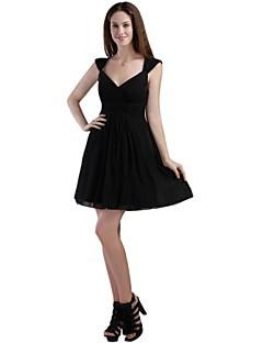 billiga Den lilla svarta-A-linje Figursydd Off shoulder Kort / mini Chiffong Cocktailfest Klänning med Plisserat av TS Couture®