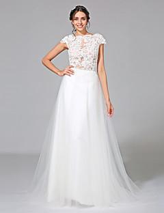 billiga Brudklänningar-A-linje Bateau Neck Hovsläp Tyll Bröllopsklänningar tillverkade med Applikationsbroderi / Bälte / band av LAN TING BRIDE® / Genomskinliga