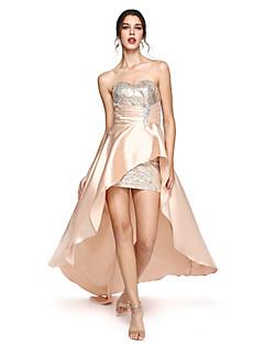 billiga Balklänningar-Åtsmitande Hjärtformad urringning Asymmetrisk Satäng Formell kväll Klänning med Paljett av TS Couture®