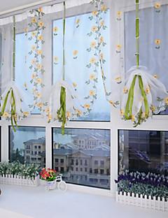 baratos Cortinas Transparentes-Único Plissado Um Painel Tratamento janela Designer Europeu Mediterrêneo Neoclassicismo, Bordado Sala de Estar Poliéster Material Sheer