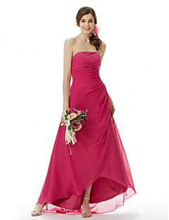 preiswerte -A-Linie Prinzessin Trägerlos Asymmetrisch Pinsel Schleppe Chiffon Brautjungfernkleid mit Seitlich drapiert durch LAN TING BRIDE®