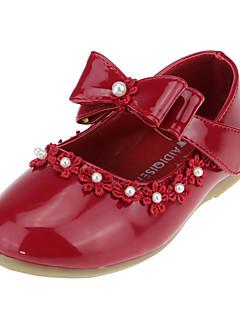 preiswerte Blumenmädchenschuhe-Mädchen Schuhe Kunstleder Frühling Herbst Schuhe für das Blumenmädchen Komfort Flache Schuhe Schleife Imitationsperle Applikationen