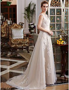 billiga Brudklänningar-A-linje Dunkel halsringning Hovsläp Spets / Tyll Bröllopsklänningar tillverkade med Bård / Applikationsbroderi av LAN TING BRIDE®