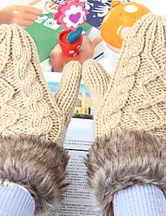 レディース 冬 カジュアル 冬物手袋 保温 ニット ファッション ラビット アクリル ニット 純色 手首丈 指先