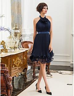 billiga Cocktailklänningar-Åtsmitande Hög hals Knälång Chiffong / Stretchig satäng Cocktailfest Klänning med Blomma av TS Couture®