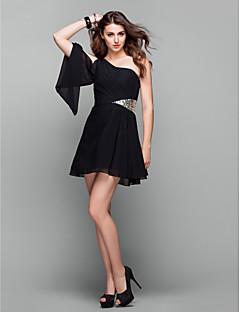 billiga Balklänningar-A-linje Enaxlad Kort / mini Chiffong Den lilla svarta Cocktailfest / Bal Klänning med Paljett / Sidodraperad av TS Couture®