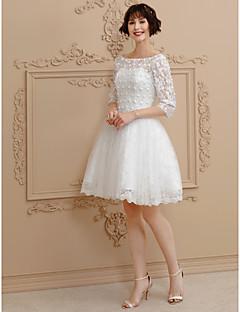 billiga A-linjeformade brudklänningar-Balklänning Bateau Neck Kort / mini Spets / Tyll Bröllopsklänningar tillverkade med Bård / Spets av LAN TING BRIDE® / Illusion / Liten vit klänning / Genomskinliga