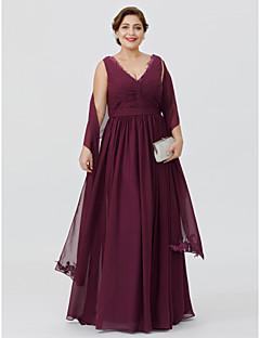 baratos Vestidos para as Mães dos Noivos-Tubinho Decote V Longo Chiffon Vestido Para Mãe dos Noivos com Apliques Faixa / Fita Cruzado de LAN TING BRIDE®
