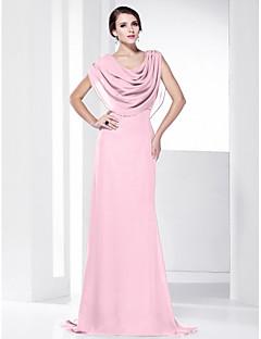 billiga Balklänningar-Åtsmitande Skorstenskrage Svepsläp Chiffong Formell kväll Klänning med Draperad av TS Couture®