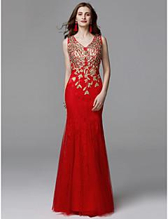 Χαμηλού Κόστους Βραδινά Φορέματα-Τρομπέτα / Γοργόνα Λαιμόκοψη V Μακρύ Δαντέλα / Τούλι Χοροεσπερίδα / Επίσημο Βραδινό Φόρεμα με Χάντρες / Δαντέλα με TS Couture®