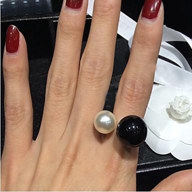 Χαμηλού Κόστους Μοδάτο Δαχτυλίδι-Γυναικεία Δακτύλιος Δήλωσης Μαργαριτάρι Απομίμηση Μαργαριταριού Ρητίνη κυρίες Πετράδια σχετικά με τον μήνα γέννησης Ανοικτό Μοδάτο Δαχτυλίδι Κοσμήματα Λευκό / Μαύρο Για Γάμου Πάρτι Καθημερινά Causal