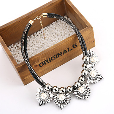 New Vintage Big Black Statement Whtie Pearl Crystal Flower Necklace for Women