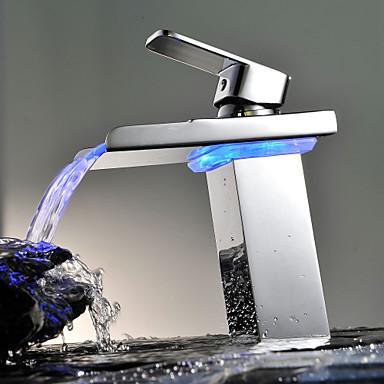 Nykyaikainen Pöytäasennus Vesiputous LED Keraaminen venttiili Yksi reikä Yksi kahva yksi reikä Kromi , Kylpyhuone Sink hana