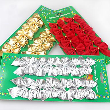 クリスマスの弓を群がっ1個、赤、金と銀のクリスマスの装飾はクリスマスツリーを飾っ