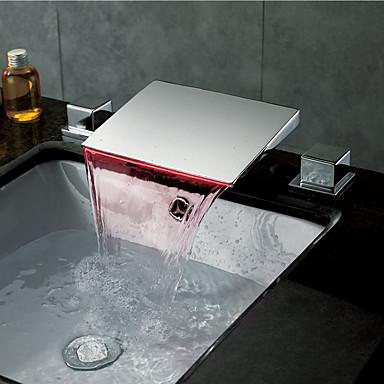 Nykyaikainen Moderni tyyli LED Kolmiosainen Vesiputous Messinkiventtiili Kaksi kahvaa kolme reikää Kromi, Kylpyhuone Sink hana