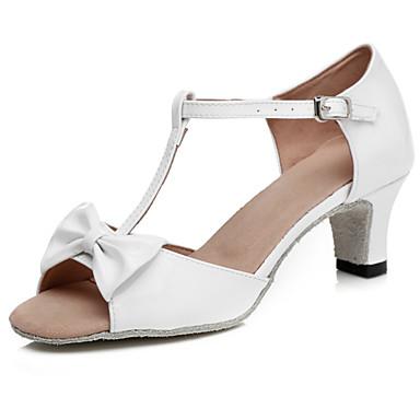 baratos Shall We® Sapatos de Dança-Mulheres Sapatos de Dança Couro Envernizado Sapatos de Dança Latina Laço / Presilha Sandália Salto Grosso Branco / Prata / Espetáculo / Ensaio / Prática