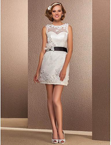 Eng anliegend Kurz / Mini Spitze Hochzeitskleid mit Schärpe / Band Schleife Blume durch LAN TING BRIDE®