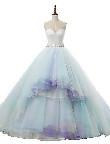 גזרת A לב (סוויטהארט) שובל קורט טול שמלת חתונה עם אפליקציות תחרה סרט על ידי VIVIANS BRIDAL