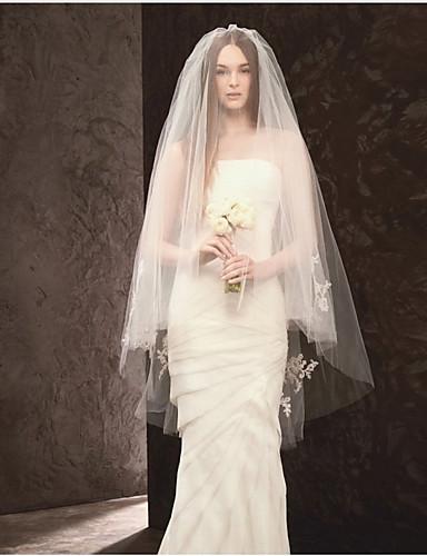 Kétkapcsos Vágott szegély Menyasszonyi fátyol Pironkodó (blusher) fátylak Könyékig érő fátylak A Gyöngy Tüll