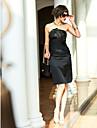 Coloană / Teacă Fără Bretele Lungime Genunchi Satin Stretch Rochie Domnișoară Onoare cu Cruce de TS Couture®